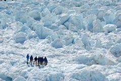 взбираясь гора снежная Стоковая Фотография RF