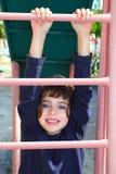 взбираясь лестницы скольжения пинка девушки немного Стоковое Фото