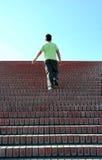 взбираясь лестницы Стоковые Фото