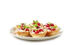 взбитые tartlets dof вишни cream отмелые Стоковая Фотография