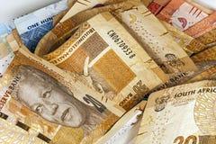 Взболтанные бумажные деньги южно-африканского ранда закрывают вверх Стоковая Фотография
