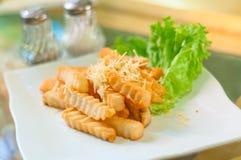 взбрызнутые fries франчуза сыра Стоковое фото RF