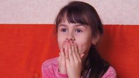 Взволнованности ребенка видеоматериал