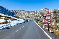 Взгляды вдоль дороги Grossglockner высокой высокогорной в Австрии Стоковая Фотография RF