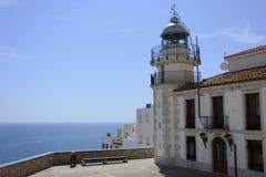 Взгляды маяка в туристской деревне Peñiscola Стоковые Изображения RF