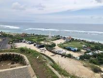 Взгляды моря увиденные от вершины холма стоковые фотографии rf