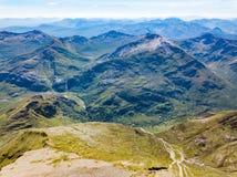 Взгляды от Бен Невиса, самой высокорослой горы в Великобритании стоковая фотография rf