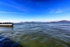 Взгляды от океана и пристани в Сан-Франциско Калифорния стоковая фотография rf