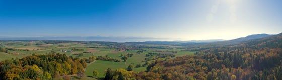 Взгляды от tendre mont в швейцарской Юре к французским горным вершинам стоковые фото
