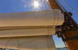 Взгляды приватной яхты ветрила. стоковое фото