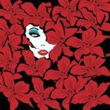 Взгляды украдкой блестящие женщины вне за цветками Стоковые Фото