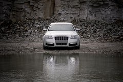 взгляд автомобиля передний роскошный стоковые изображения rf