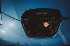Взгляд автомобиля Tesla Концепция танка обязанности автомобиля стоковые изображения