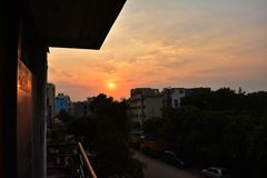 Взгляд балкона захода солнца стоковое фото rf