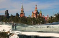 Взгляд башни Spassky и собора Pokrovsky Стоковое Изображение RF