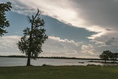 Взгляд берега озера Стоковые Фото