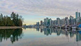 Взгляд Ванкувера городской от парка Стэнли стоковые фото