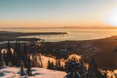 Взгляд Ванкувера от горы тетеревиных в северном Ванкувере, ДО РОЖДЕСТВА ХРИСТОВА, Канада стоковая фотография