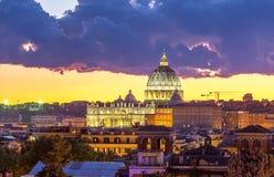 Взгляд Ватикан городского пейзажа Рима стоковое изображение rf