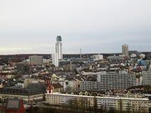Взгляд вдоль построенной структуры в Франкфурте-на-Майне Германии стоковая фотография