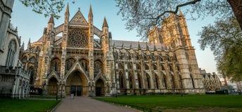 Взгляд Вестминстерского Аббатства от стороны церков ` s St Margaret, Лондона стоковое фото rf
