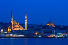 Взгляд вечера одной из мечетей Стамбула Стоковое Фото