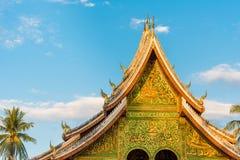 Взгляд виска Wat Siengthon в Luang Prabang, Лаосе Стоковое Изображение RF