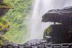 Взгляд водопада в отключении лета Норвегии Стоковая Фотография
