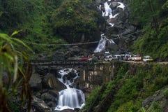 Взгляд водопада 7 сестер на пути к Lachen от Gangtok, Сиккима, Индии стоковое фото