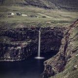 Взгляд водопада Gasadalur Стоковые Изображения