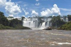 Взгляд водопадов Iguazu от аргентинской стороны Стоковые Изображения RF