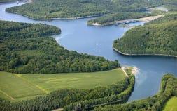 взгляд воздушного озера сельской местности славный Стоковые Изображения RF