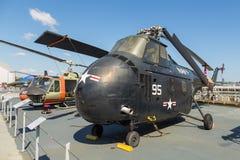Взгляд воинских самолетов на палубе моря USS бестрепетного, музей воздушного пространства Стоковые Фотографии RF