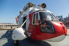 Взгляд воинских самолетов на палубе моря USS бестрепетного, музей воздушного пространства Стоковое фото RF