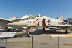 Взгляд воинских самолетов на палубе моря USS бестрепетного, музей воздушного пространства Стоковые Изображения RF