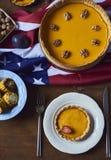 Взгляд высокого угла таблицы служил для обедающего благодарения Стоковые Фотографии RF