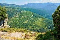 Взгляд в гигантских горах Стоковые Фотографии RF