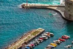 Взгляд гавани и старого городка Дубровника стоковое изображение
