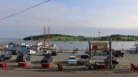 Взгляд гавани Lunenburg на яркий летний день Lunenburg Новая Шотландия Канада видеоматериал