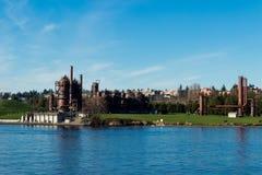 Взгляд газа работает парк в Сиэтл от соединения озера стоковая фотография rf