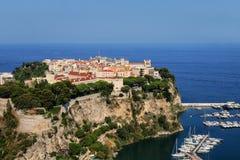 Взгляд города Монако расположенный на утесе в Монако Стоковая Фотография RF