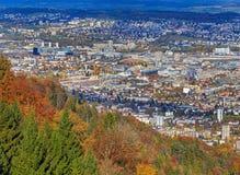 Взгляд города Цюриха от горы Uetliberg Стоковое фото RF