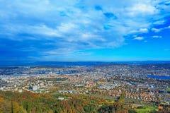 Взгляд города Цюриха от Mt Uetliberg Стоковые Изображения RF