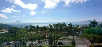 Взгляд города Tagaytay сценарный Стоковые Изображения