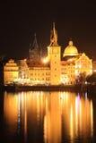 взгляд городка prague яркой ночи старый Стоковое фото RF
