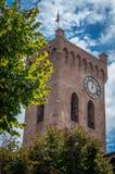 Взгляд городка San Miniato, колокольня собора San Miniato Duomo, Тосканы Италии Европы стоковое изображение rf