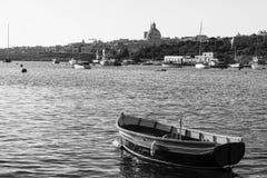 Взгляд городского пейзажа с базиликой стоковое изображение