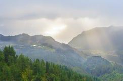 Взгляд гор от pico Das Pedras, острова Мадейры, Португалии, Европы Стоковые Фотографии RF