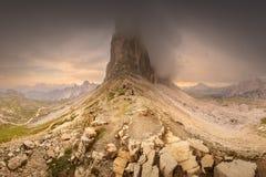 Взгляд гребня горы Tre Cime di Lavaredo, южного Tirol, доломитов Italien Альп стоковые изображения