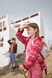 взгляд девушки мальчика пляжа Стоковые Изображения